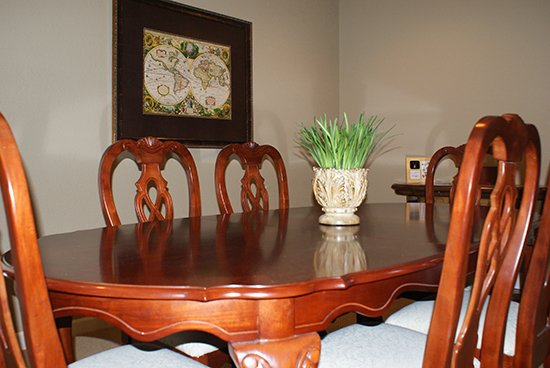 Macks Creek - Arrangement Desk